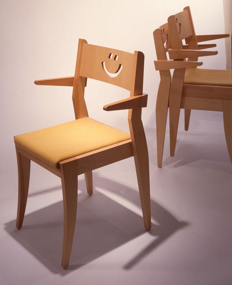 Guen BERTHEAU-SUZUKI Co.,Ltd. Dining roomChairs & benches