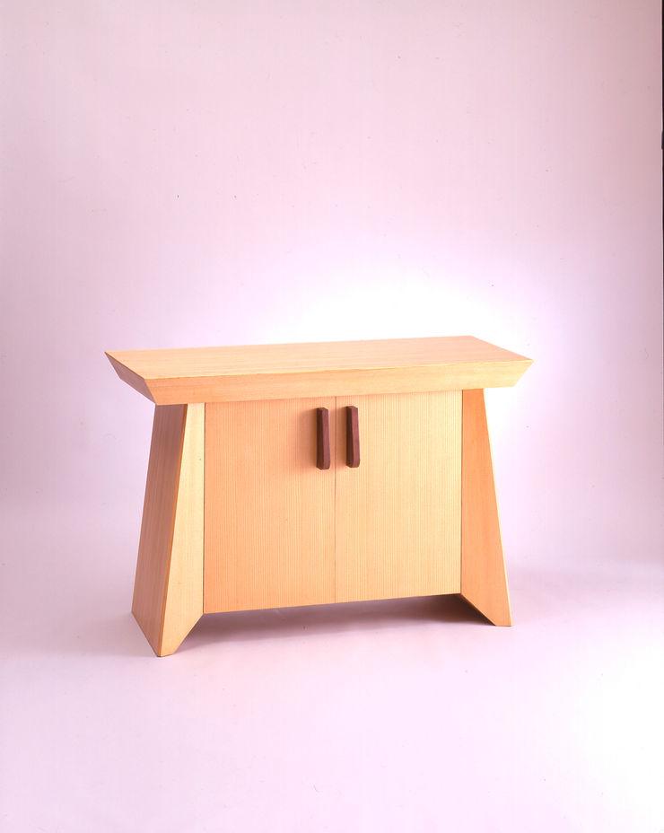 Guen BERTHEAU-SUZUKI Co.,Ltd. Living roomStorage