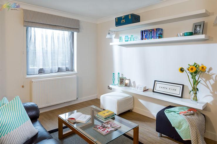 Living area Katie Malik Interiors Ruang Keluarga Modern