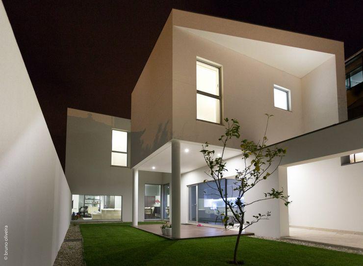 house 116 bo | bruno oliveira, arquitectura Будинки Граніт Білий