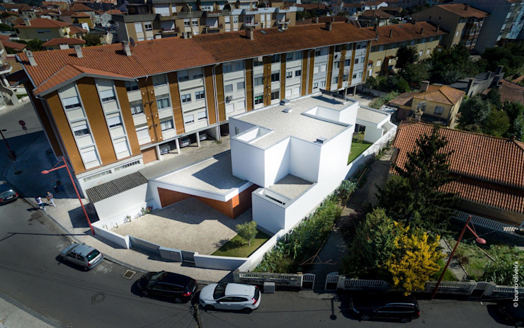 house 116 bo | bruno oliveira, arquitectura Будинки Дерево Білий