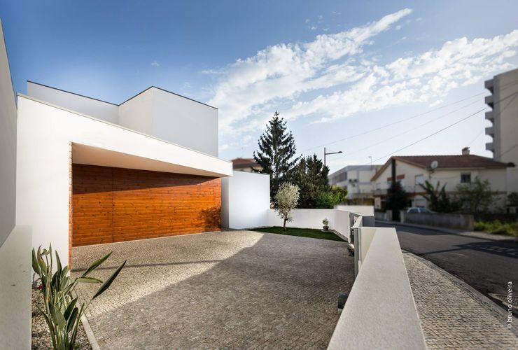 house 116 bo | bruno oliveira, arquitectura Modern Houses Wood White