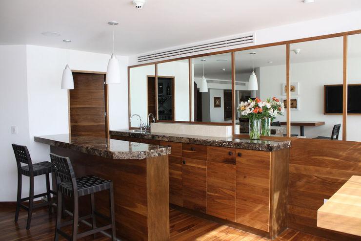 Boué Arquitectos Maisons modernes Marron