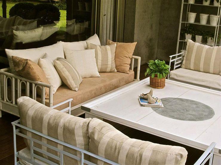 Estudio AJEDREZ Balcones y terrazas modernos