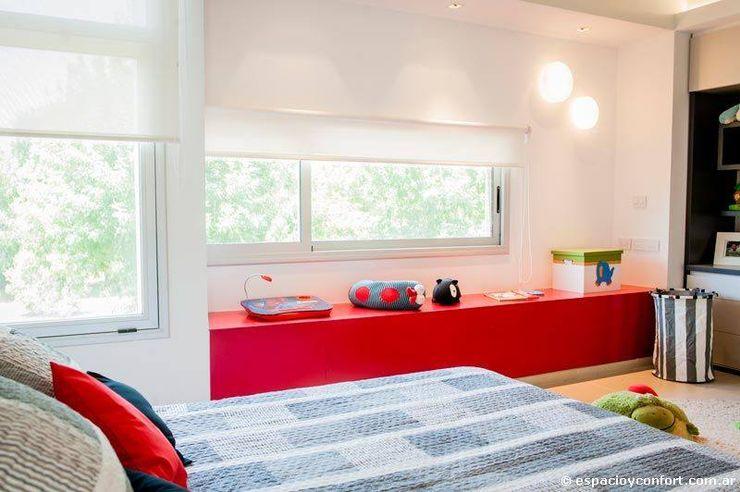 Vivienda en Grand Bell AMADO arquitectos Dormitorios infantiles modernos: