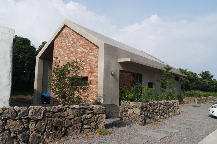 아키제주 건축사사무소 現代房屋設計點子、靈感 & 圖片