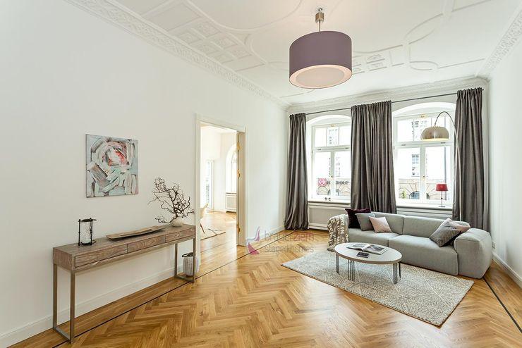 staged homes Modern Living Room
