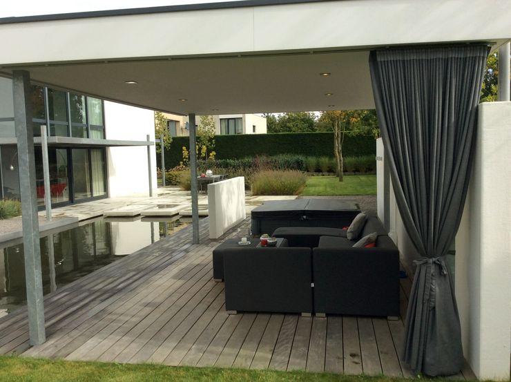 Moderne veranda Sparq Tuinen Moderne balkons, veranda's en terrassen