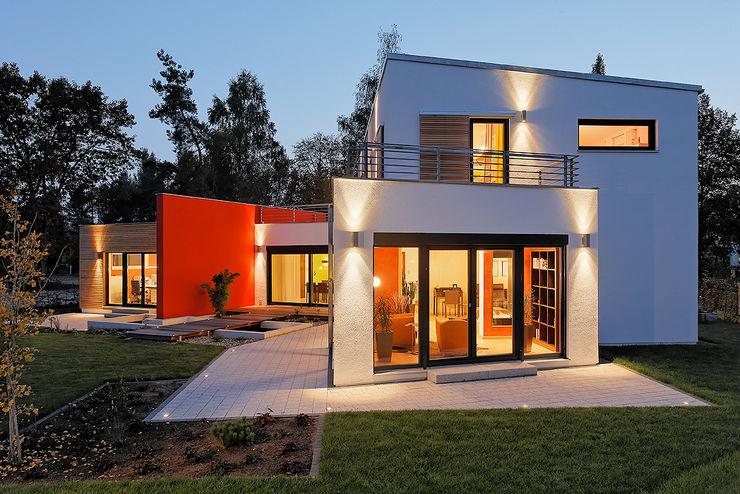 LUXHAUS Musterhaus Georgensgmünd Lopez-Fotodesign Moderne Häuser Weiß