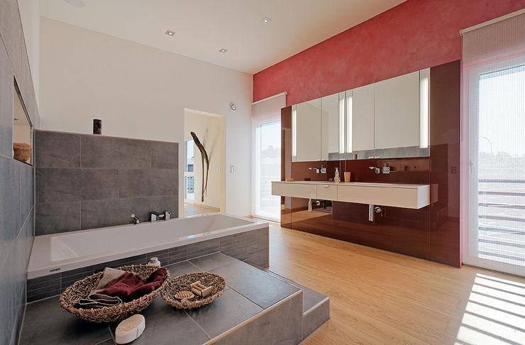 Lopez-Fotodesign Modern bathroom Multicolored