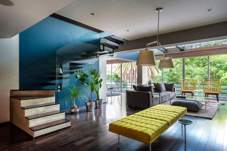 MAAD arquitectura y diseño Eclectic style corridor, hallway & stairs