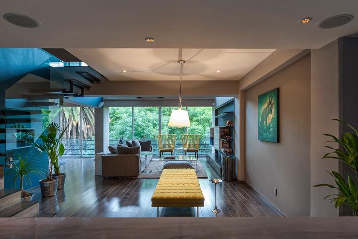 MAAD arquitectura y diseño Eklektyczny korytarz, przedpokój i schody