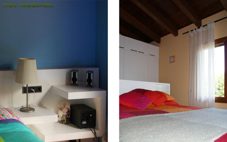Cabezales y armarios de DM lacado RIBA MASSANELL S.L. Dormitorios infantiles de estilo mediterráneo Tablero DM