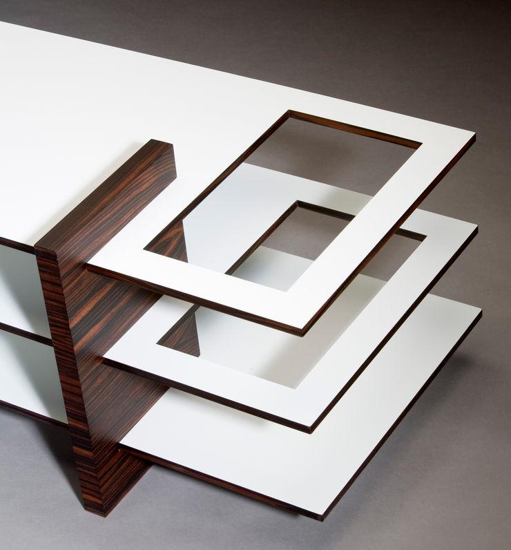 Mirko Danckwerts Möbelgestaltung Sala de estarBancadas e bandejas