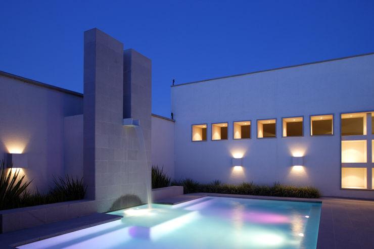 Portico Arquitectura + Construcción Pool