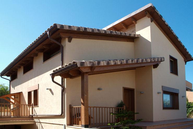 RIBA MASSANELL S.L. Rumah Gaya Mediteran Kayu