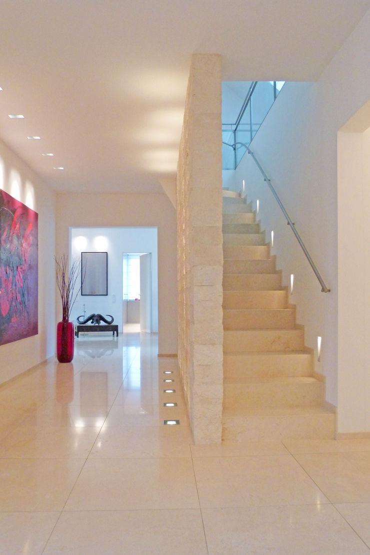 beyond REAL ESTATE Modern Corridor, Hallway and Staircase