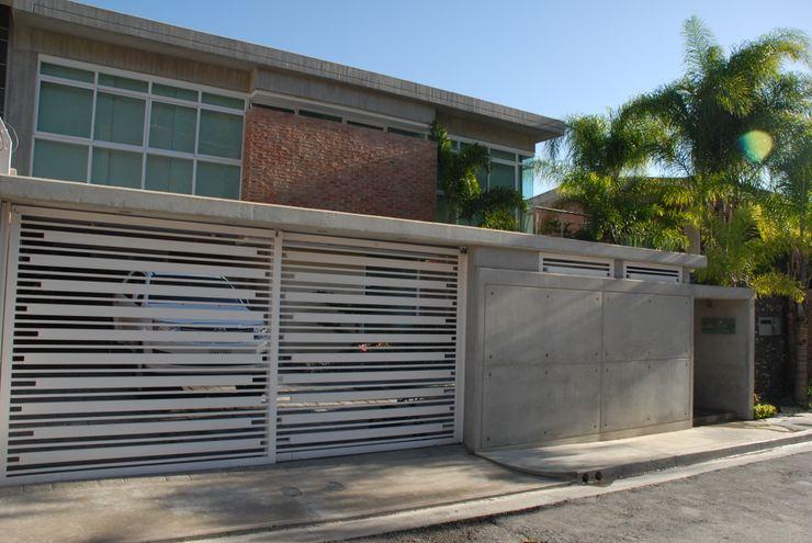 Casa el Hatillo FergoStudio Casas de estilo minimalista