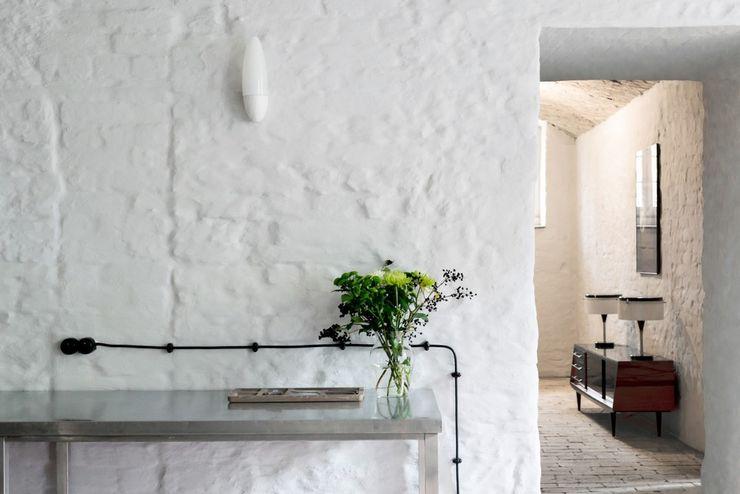 Loft Kolasiński Walls & flooringPaint & finishes Bricks White