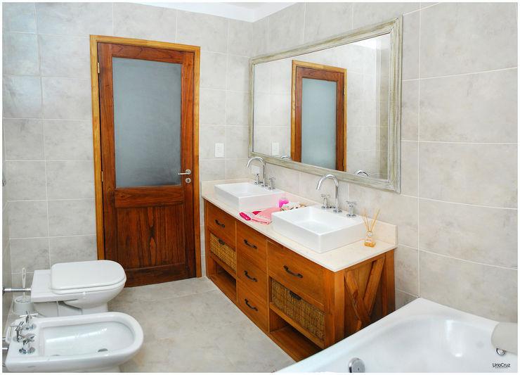 Silvana Valerio Modern Bathroom