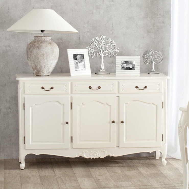 homify BedroomWardrobes & closets Wood White