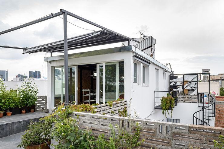 Windlock - soluciones sustentables Hiên, sân thượng phong cách hiện đại
