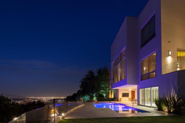 Portico Arquitectura + Construcción Modern Pool