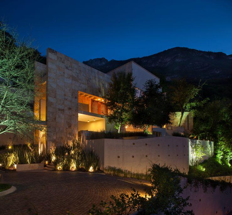 Portico Arquitectura + Construcción Modern Houses