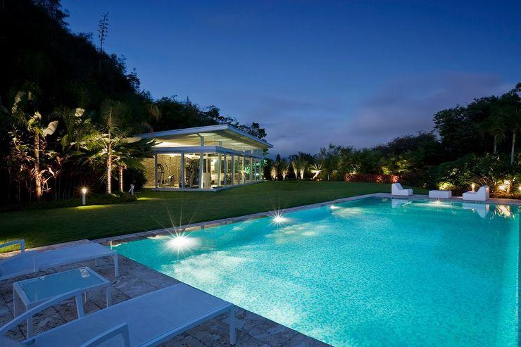 oda - oficina de arquitectura Modern pool