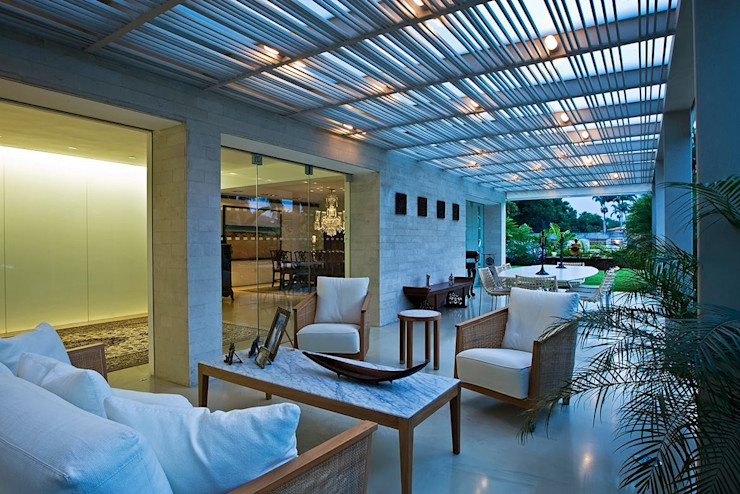 Casa MR oda - oficina de arquitectura Balcones y terrazas de estilo moderno