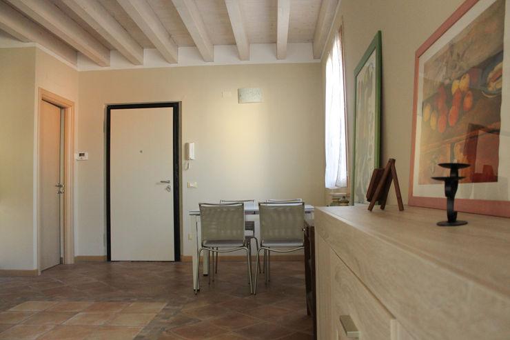 bonora immobiliare Столовая комната в классическом стиле