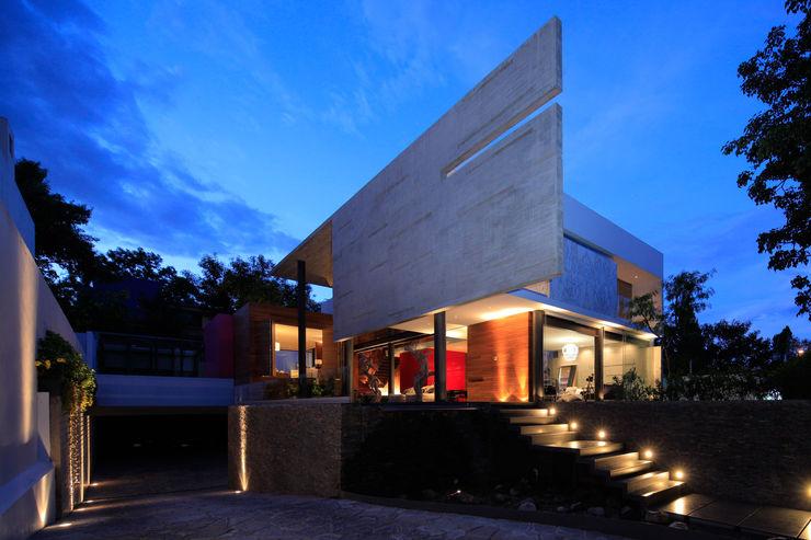 Casa Rinconada Echauri Morales Arquitectos Casas minimalistas Gris