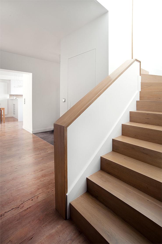PL+sp. z o.o. Moderne gangen, hallen & trappenhuizen