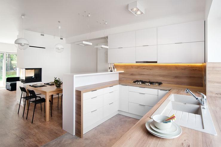 PL+sp. z o.o. Moderne keukens