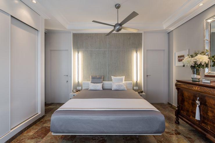 Dormitorio futurista Laura Yerpes Estudio de Interiorismo Dormitorios de estilo ecléctico Gris