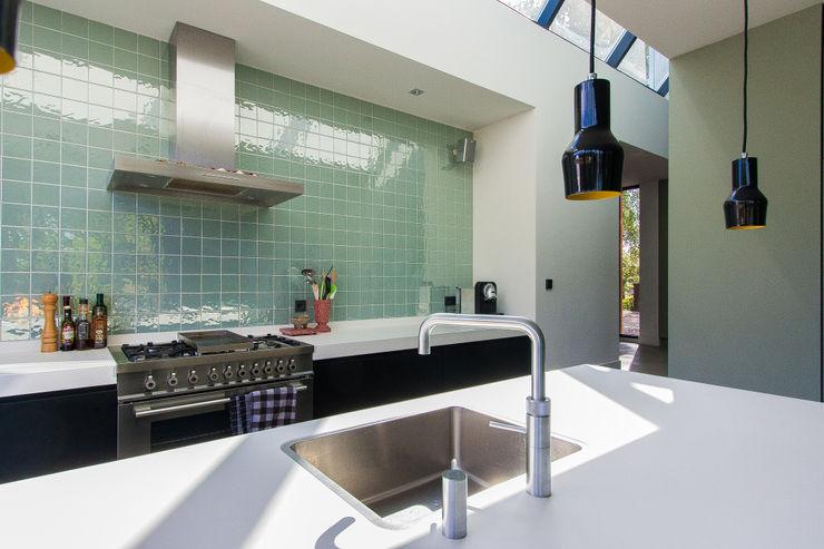 ScanaBouw BV Modern Bathroom