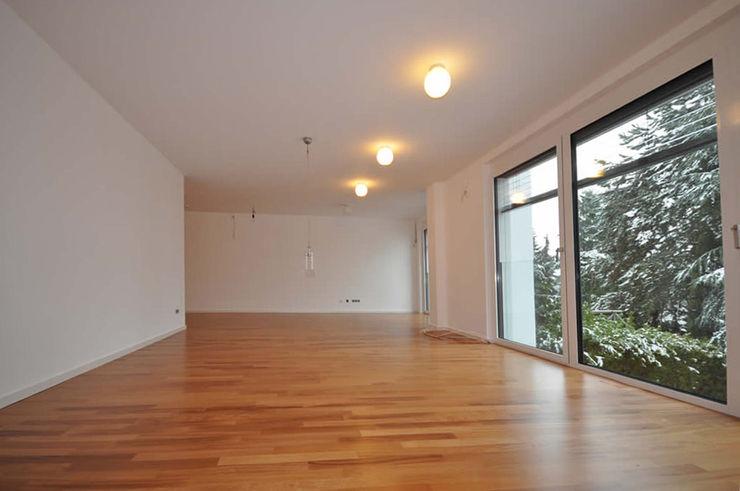 Licht im Wohnraum Fa. RESANEO® Moderne Wohnzimmer Weiß