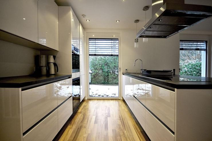Moderne Hochglanz Küche Fa. RESANEO® Moderne Küchen