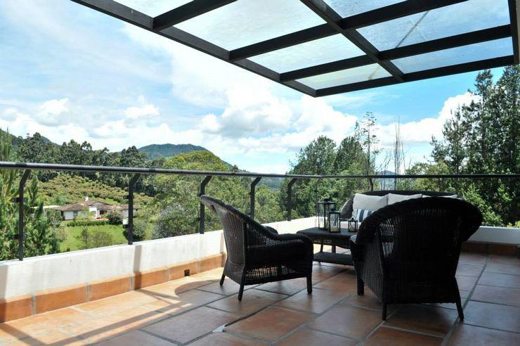 WVARQUITECTOS Balcones y terrazas clásicos