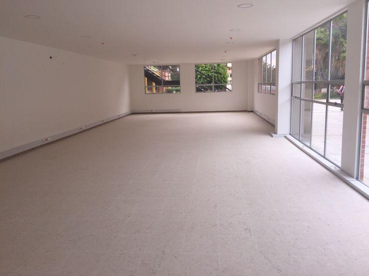 Felipe Lara & Cía Офісні будівлі Синтетичні Білий
