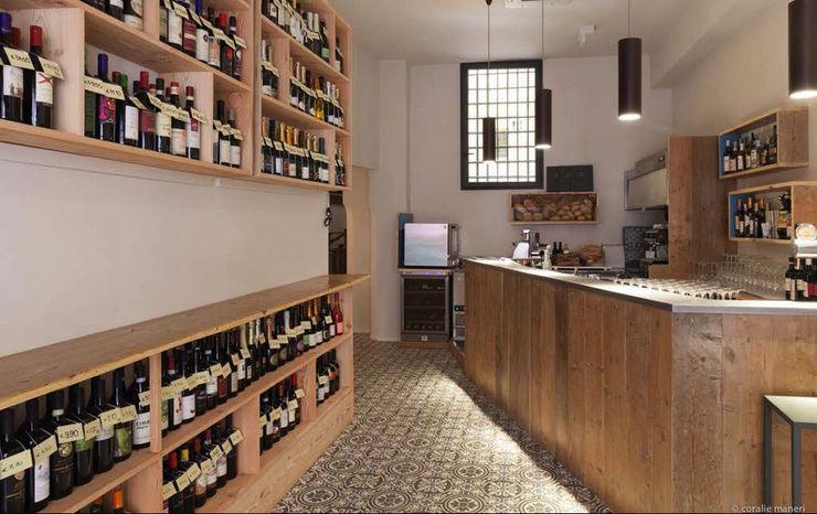 Enoteca Favalli MIROarchitetti Bar & Club in stile industrial Legno