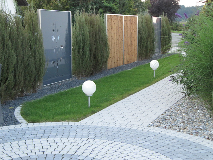 Edelstahl und Aluminium Sichtschutz Edelstahl Atelier Crouse: Moderner Garten