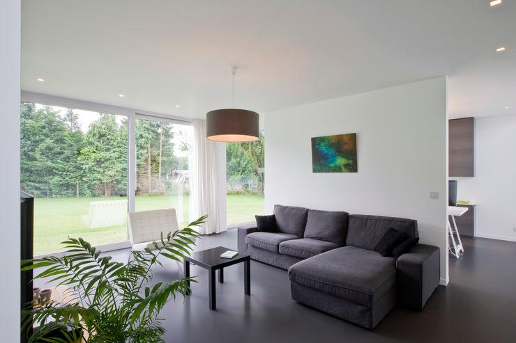 House WR Niko Wauters architecten bvba Salas de estilo minimalista