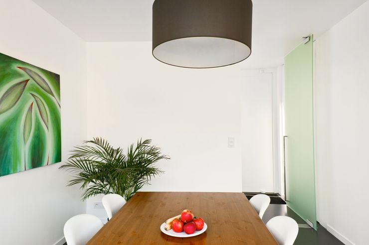 House WR Niko Wauters architecten bvba Minimalist dining room