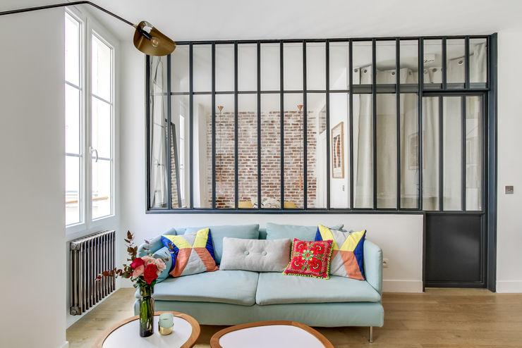 SALON PROJET LAMARTINE, Transition Interior Design Architectes: Margaux Meza et Carla Lopez Photos: Meero Transition Interior Design Fer / Acier