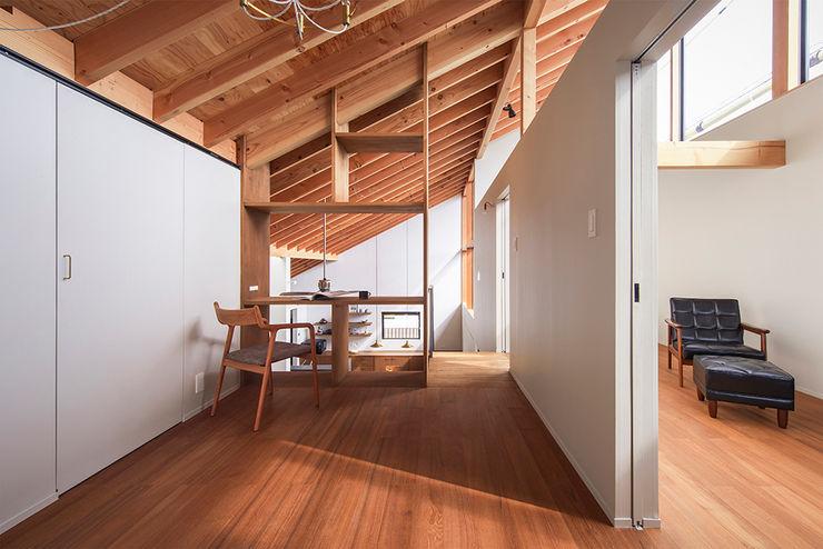 nobuyoshi hayashi Eclectic style media room