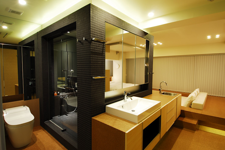 ミズタニ デザイン スタジオ Minimalist style bathroom Tiles Black