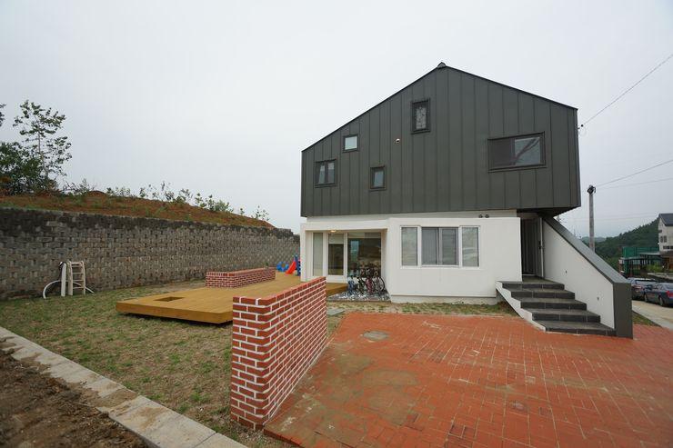 ADMOBE Architect Rumah Modern
