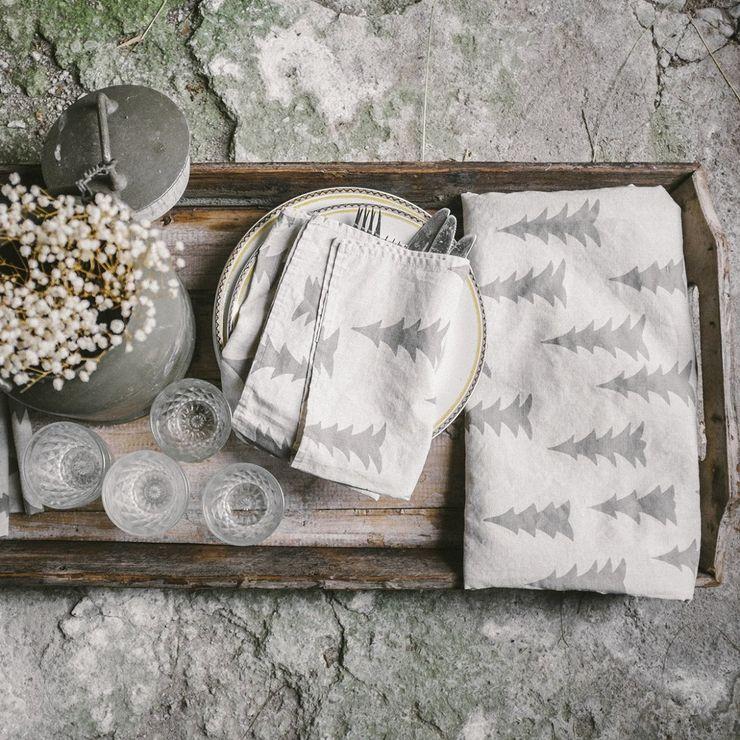 homify KitchenAccessories & textiles Flax/Linen White