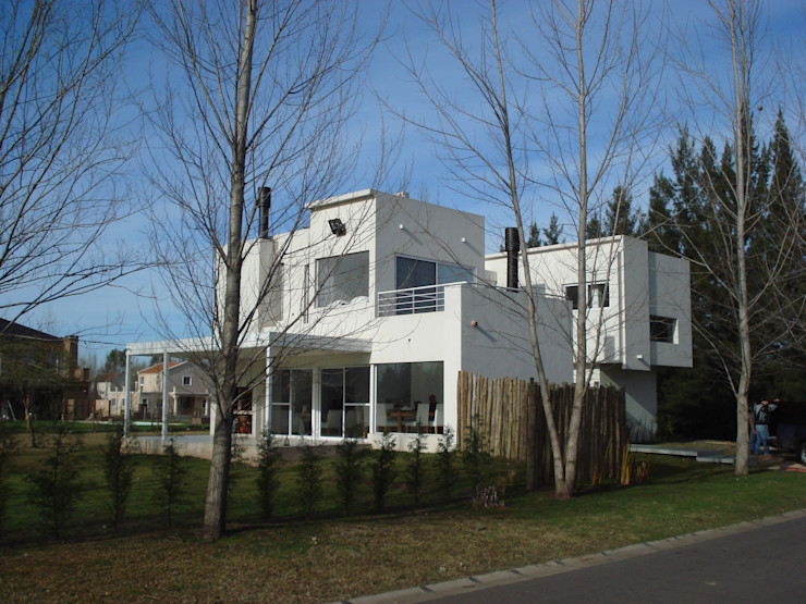Casa Guinter Estudio d360 Casas modernas: Ideas, imágenes y decoración